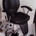 Salon chair adjustable legrest